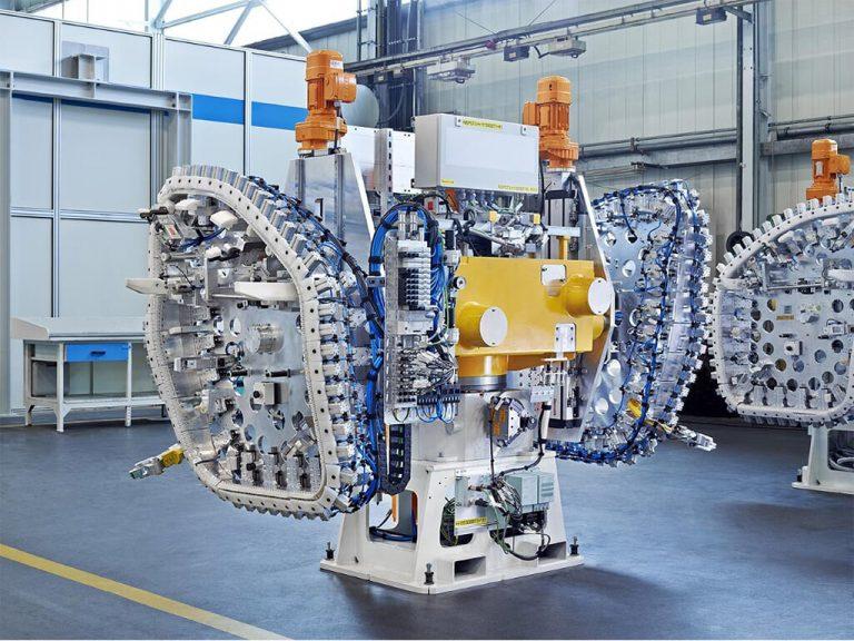Industrie Electric_0007_7. TürdichtungsApplikationAnlage Audi Ingolstadt