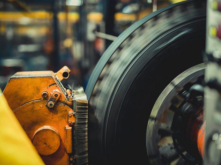 Industrie Electric_0010_4. Installation und Inbetriebnahme 6-fach PKW Haltbarkeitsprüfmaschinen