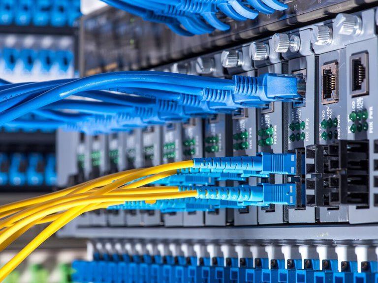 Industrie Electric_0016_16. Umstrukturierung der Netzwerksverkabelung Serverräum Montage Halle VWN Hannover