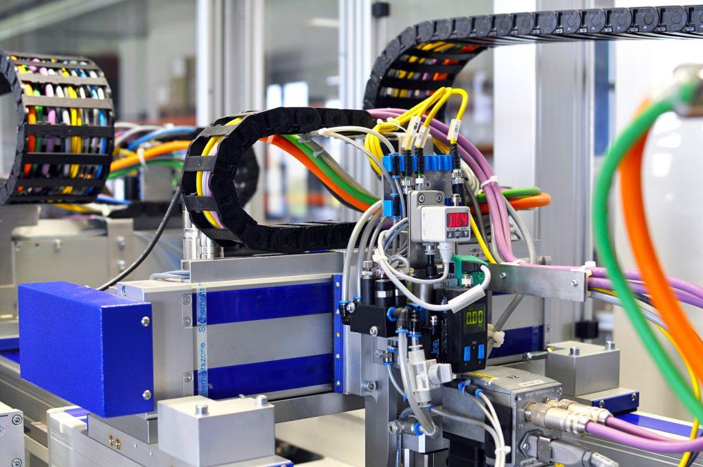 ausbildung zum elektroniker in fachrichtung automatisierungstechnik industrie electric. Black Bedroom Furniture Sets. Home Design Ideas