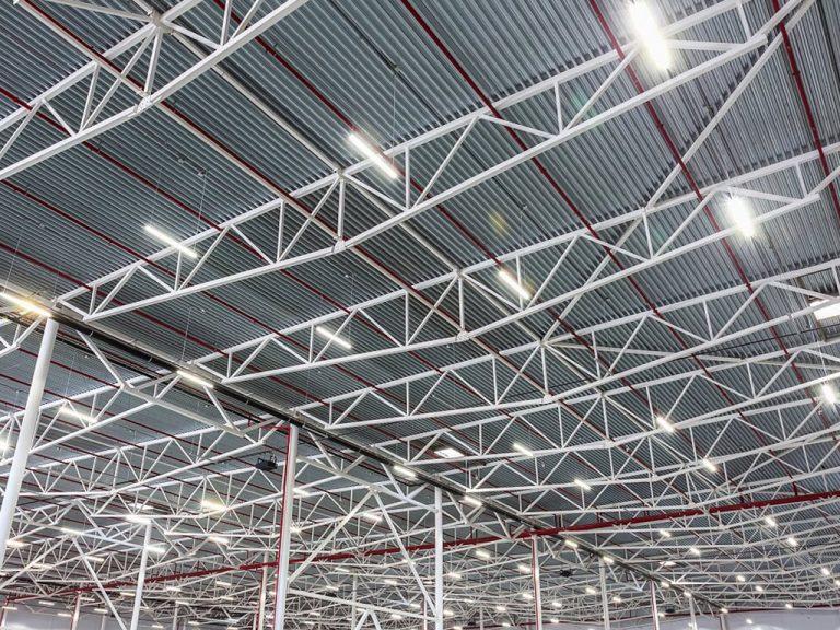 Industrie Electric_0002_13. Lieferung und Installation LED-Beleuchtung neuer Hygieneraum und Packbereich